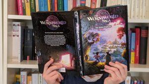 Wormworldsaga_Kind_liest_Buch